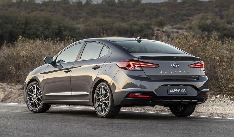 Новый Hyundai Elantra 2019 модельного года изоражения
